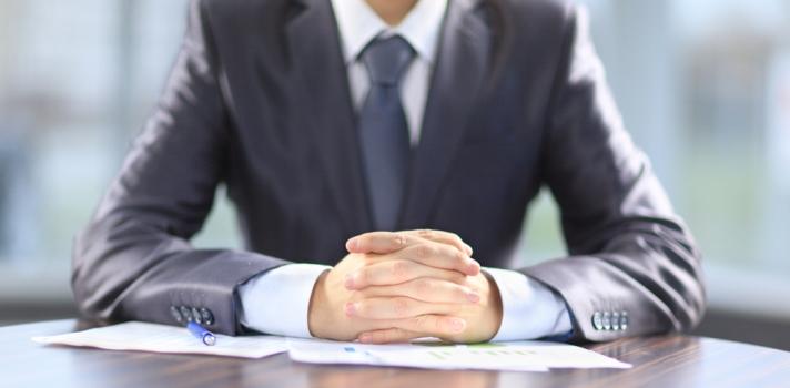 Llevar las respuestas preparas desde casa te ayudará a encarar la entrevista sin nervios