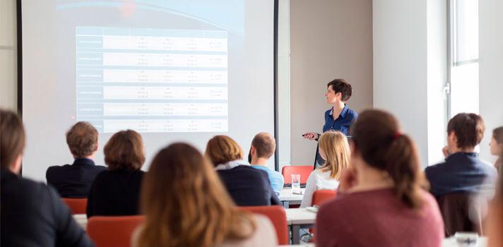 Las presentaciones deben servir para que la gente comprenda y siga tu exposición oral