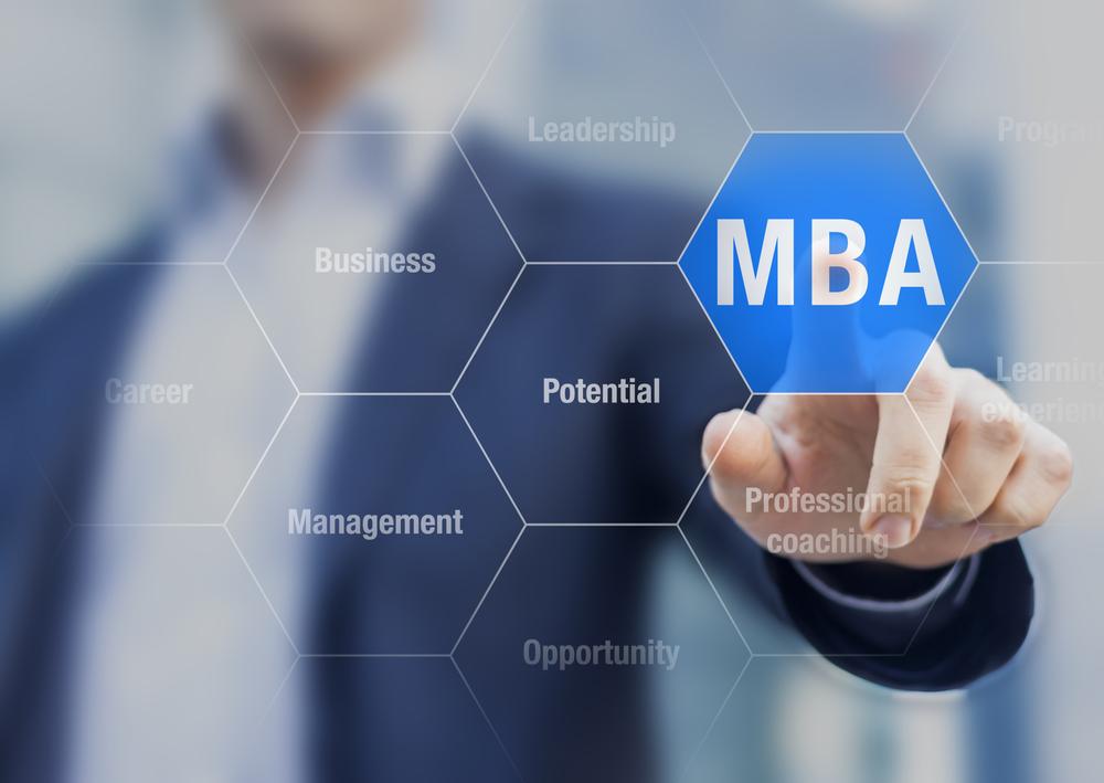 La formación de posgrado es esencial para mantener un perfil profesional competitivo y actualizado