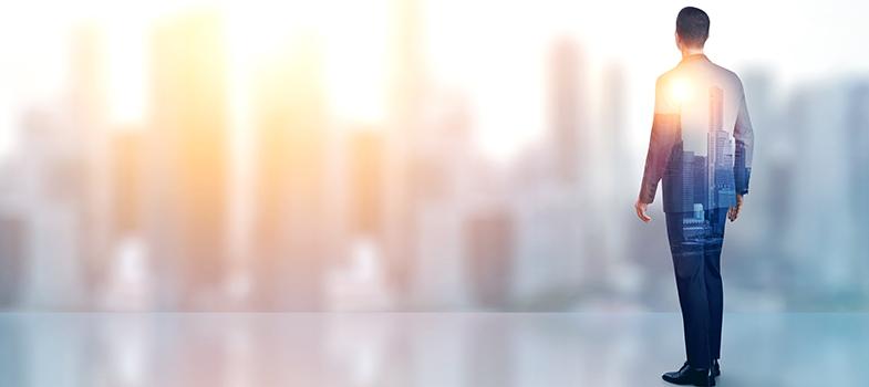 <p><strong><em>La Carrera Especial</em></strong> é um projeto do <strong>Banco Santander</strong> que pretende contribuir com o progresso das empresas e, fundamentalmente, dos estudantes universitários. A série de 20 vídeos gravados em diferentes cidades pretende chamar a atenção dos jovens para as profissões que irão dominar o <strong>mercado de trabalho no futuro</strong>e que ainda são desconhecidas por muitos deles.</p><p></p><p><span style=color: #333333;><strong>Você pode ler também:</strong></span><br/><br/><a style=color: #ff0000; text-decoration: none; text-weight: bold; title=Descubra como fazer a escolha profissional certa href=https://noticias.universia.com.br/carreira/noticia/2015/12/11/1134637/descubra-fazer-escolha-profissional-certa.html>» <strong>Descubra como fazer a escolha profissional certa</strong></a><br/><a style=color: #ff0000; text-decoration: none; text-weight: bold; title=Veja passo a passo para acertar na sua escolha profissional href=https://noticias.universia.com.br/carreira/noticia/2015/09/18/1131185/veja-passo-passo-acertar-escolha-profissional.html>» <strong>Veja passo a passo para acertar na sua escolha profissional</strong></a><br/><a style=color: #ff0000; text-decoration: none; text-weight: bold; title=Todas as notícias de Carreira href=https://noticias.universia.com.br/carreira>» <strong>Todas as notícias de Carreira</strong></a></p><p></p><p>Essa carreiras não são somente inovadoras, são, de fato, as <strong>carreiras do futuro</strong>, já que sua presença no mercado de trabalho será excelente em alguns anos. A oferta educacional se renova conforme novas demandas vão surgindo, em diferentes áreas e segmentos, e para que essa renovação se complete a informação deve chegar aos estudantes. Essa é a função do Santander no projeto: difundir a oferta universitária e colaborar com o progresso da sociedade.</p><p></p><p>Alguns profissionais renomados dessas áreas, juntamente com estudantes que estão começando a estudá-las, percorrerão