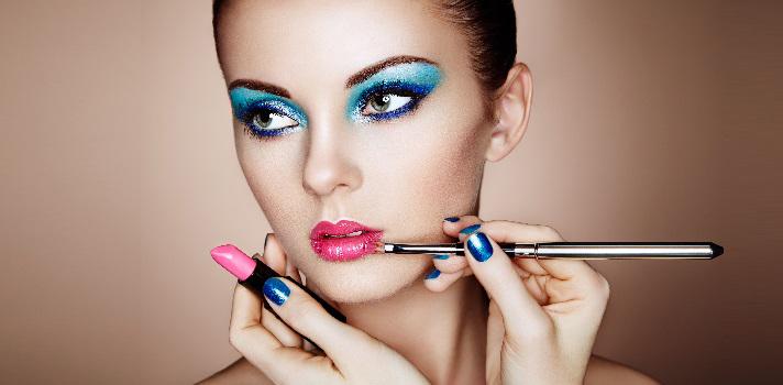 ¿Qué puedo estudiar si me interesan la caracterización y el maquillaje profesional?