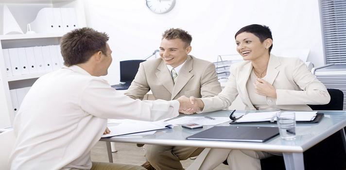 Invierte tiempo en preparar tu entrevista y buscar información sobre la empresa