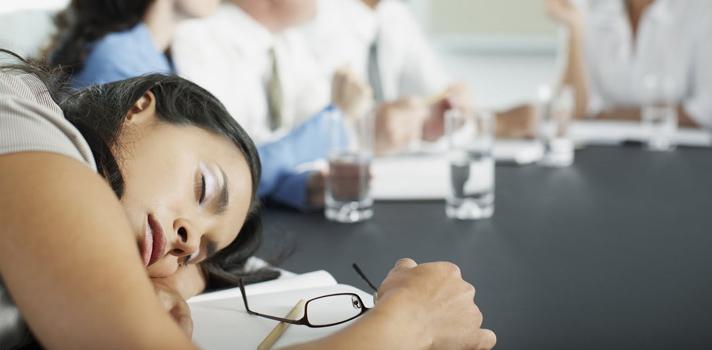 Descubre cómo no quedarte dormido en el trabajo
