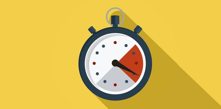 """<p>Durante la Revolución Industrial, tener el tiempo estrictamente controlado y cumplir las tareas en el minuto preciso y con la máxima eficiencia posible era la norma. Desde esta época, los relojes se han vuelto una pieza clave de nuestra rutina y el <strong>día parece no tener horas suficientes para cumplir con todas las tareas pendientes</strong>. Frente a esta realidad, han surgido muchas técnicas que buscan optimizar la organización del tiempo para aumentar la productividad.</p><p>No obstante, aunque estas estrategias pueden ser útiles, es importante no ser demasiado estrictos con el control del tiempo, y en lugar de ello priorizar la atención que dedicamos a cada tarea. A continuación te compartimos las <strong>3 razones para ser flexibles con el manejo del tiempo:</strong></p><p><span style=color: #ff0000;><strong>Lee también</strong></span><br/><a style=color: #666565; text-decoration: none; title=8 hábitos que afectan tu reputación laboral href=https://noticias.universia.net.co/consejos-profesionales/noticia/2015/12/15/1134734/8-habitos-afectan-reputacion-laboral.html>» <strong>8 hábitos que afectan tu reputación laboral</strong></a><br/><a style=color: #666565; text-decoration: none; title=Cómo aumentar tu creatividad href=https://noticias.universia.net.co/consejos-profesionales/noticia/2016/01/04/1135112/como-aumentar-creatividad.html>» <strong>Cómo aumentar tu creatividad </strong></a></p><p></p><p><strong>1. Se reduce tu capacidad de concentración</strong></p><p>Intentar hacer muchas cosas en poco tiempo, algo facilitado especialmente por las posibilidades que nos brindan los smartphones, hace que nuestra atención se disperse y se fragmente en pequeñas tareas, en lugar de permitirnos concentrarnos verdaderamente en la tarea.</p><p>Echar un vistazo a tu bandeja de entrada mientras conversas con tu familia no te hace más productivo, hace que no puedas prestarle la atención debida a ninguna de las dos acciones. Si intentas """"maximizar"""" tu tiempo haciendo mu"""