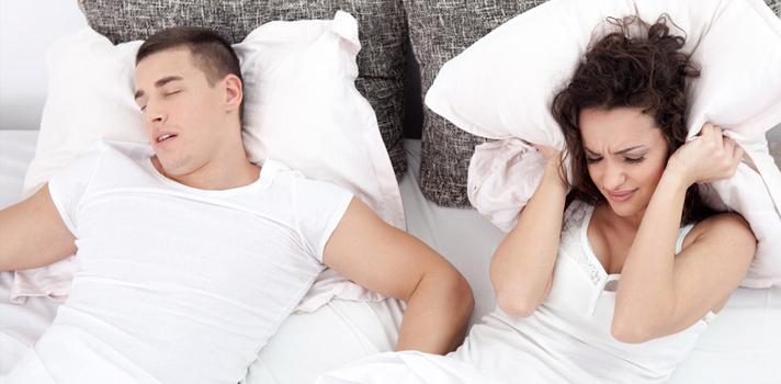 ¿Por qué roncamos y cómo dejamos de hacerlo?