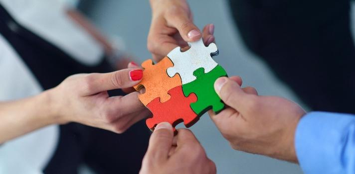 La principal ventaja de estas habilidades es que facilitan el trabajo en equipo