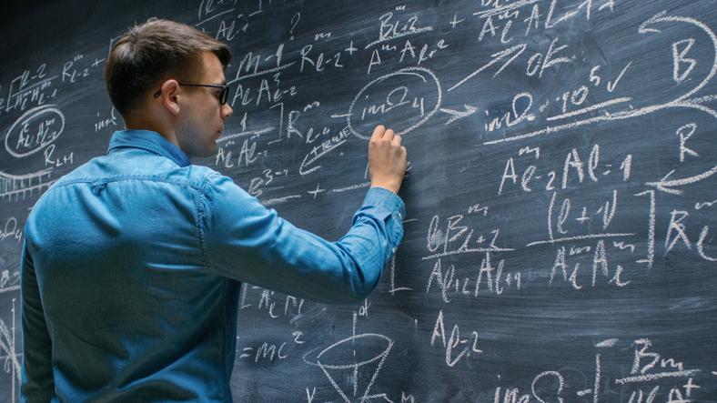 o raciocínio lógico de matemática costuma ser negligenciado pela maioria dos cursos e até mesmo pelos candidatos.
