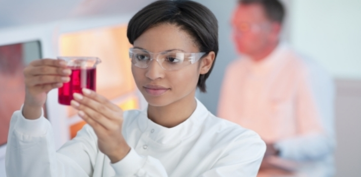 Cada vez son más las mujeres que rompen con los estereotipos de género y optan por las ciencias
