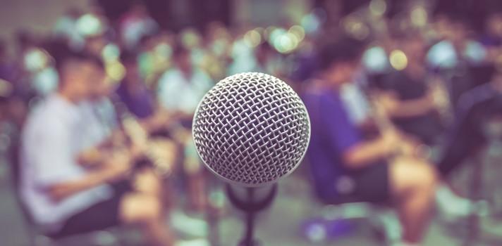 Enfrentarse al micrófono puede ser todo un desafío cuando no se cuenta con la preparación adecuada