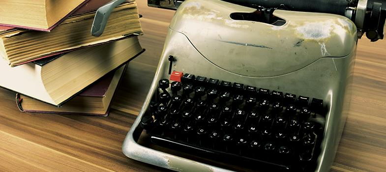 <p>Por gostar muito de escrever, algumas pessoas têm o desejo de produzir um livro, mas não sabem por onde começar. No entanto, com um planejamento e organização, é possível que qualquer um consiga criar a própria produção, com um conteúdo e <a href=https://noticias.universia.com.br/destaque/noticia/2015/03/26/1122292/9-dicas-escrever-bom-texto.html title=9 dicas para escrever um bom texto>estilo de escrita de qualidade</a>. <strong> Confira dicas para facilitar o processo de criação de um livro:</strong></p><p></p><blockquote style=text-align: center;>Cadastre-se <span style=text-decoration: underline;><a href=https://livros.universia.com.br/ class=enlaces_med_leads_formacion title=Cadastre-se aqui para baixar mais de 2 mil livros grátis target=_blank id=LIVROS>aqui</a></span> para baixar mais de <strong>2.000 livros grátis</strong></blockquote><p><span style=color: #333333;><strong>Você pode ler também:</strong></span><br/><a href=https://noticias.universia.com.br/destaque/noticia/2015/08/25/1130316/4-truques-escrever-melhor.html title=4 truques para escrever melhor>» <strong>4 truques para escrever melhor</strong></a><br/><a href=https://noticias.universia.com.br/destaque/noticia/2015/05/14/1125022/confiante-hora-escrever.html title=Como ser mais confiante na hora de escrever>» <strong>Como ser mais confiante na hora de escrever</strong></a><br/><a href=https://noticias.universia.com.br/cultura title=Todas as notícias de Cultura>» <strong>Todas as notícias de Cultura</strong></a></p><p></p><p><strong> 1 – Preocupe-se em colocar as ideias no papel</strong></p><p>Em um primeiro momento você não precisa ficar tão preocupado em criar uma frase perfeita que não sofrerá alterações posteriores. Foque em colocar no papel todas as ideias que você tem e, depois, quando terminar todo o livro ou determinado capítulo, por exemplo, dedique um tempo para uma revisão detalhada. Você poderá alterar frases, corrigir erros e até mesmo acrescentar conteúdos que não havia pensado ant