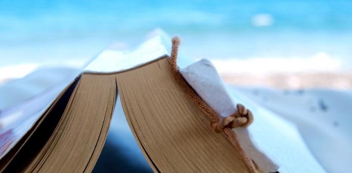 Descubre cómo leen los españoles en verano