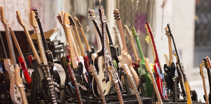 Tocar instrumentos musicales ayuda a reducir el deterioro cognitivo