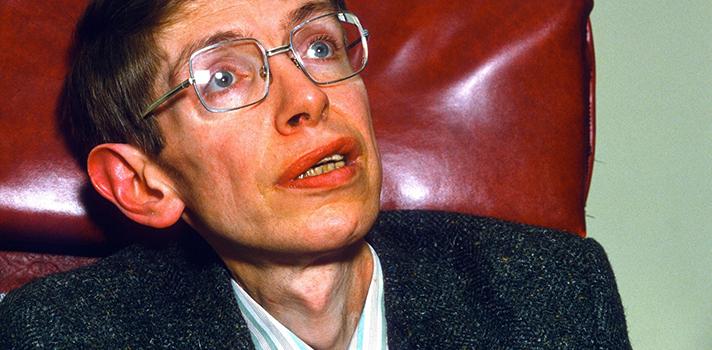 Stephen Hawking es uno de los genios más conocidos y ha promovido el interés sobre las teorías sobre el origen el Universo
