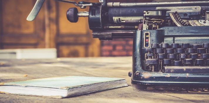 La mejora manera de aprender a escribir es practicar e intentar emular los recursos que te atraen en tus lecturas