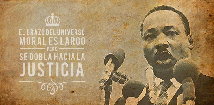 """<p><strong>Martin Luther King Jr</strong>. (1929-1968), pastor de la iglesia bautista, doctor en filosofía y acérrimo defensor de los derechos civiles, es uno de los íconos de la lucha por la igualdad de derechos en Estados Unidos. A pesar de que su natalicio fue el 15 de enero de 1929, se lo festeja hoy por ser el tercer lunes de enero.</p><p></p><p><span style=color: #ff0000;><strong>Lee también</strong></span><br/><a style=color: #666565; text-decoration: none; title=Las 7 mejores charlas TED del año href=https://noticias.universia.pr/cultura/noticia/2015/12/29/1135069/7-mejores-charlas-ted-ano.html>» <strong>Las 7 mejores charlas TED del año</strong></a></p><p></p><p>En esta nota, analizamos las principales enseñanzas de su discurso más emblemático, pronunciado el 28 de agosto de 1963 en Washington D.C, popularmente recordado por la frase """"Yo tengo un sueño"""".</p><p>Aunque este discurso fue realizado en un contexto histórico y social delicado, y que el objetivo del discurso es apelar por las necesidades básicas de la vida del ser humano, algunas de las enseñanzas expuestas también bien aplican para la vida misma, sobre todo para pensar y diseñar nuestro futuro:</p><p></p><p><strong>1. Sueña</strong></p><p>En su discurso, Luther King establece claramente cuáles son sus reclamos para el presente, y cuáles son sus esperanzas para el futuro.</p><p>Sin sueños ni anhelos, será difícil poder enfocar tus esfuerzos y energías de forma estratégica. <strong>Si quieres construir tu futuro, piensa cuáles son tus sueños y objetivos</strong>, imagina cómo te ves de aquí a cinco años y arma un plan para alcanzarlos. Luego, embárcate de lleno hacia ellos, """"ahora es el momento"""".</p><p></p><p><strong>2. Lucha con el ejemplo</strong></p><p>No busquemos saciar nuestra sed de libertad bebiendo de la copa del encarnizamiento y del odio.Debemos conducir siempre nuestra lucha en el elevado nivel de la dignidad y la disciplina. Luther King siempre luchó desde un lugar pacífico, implacable"""
