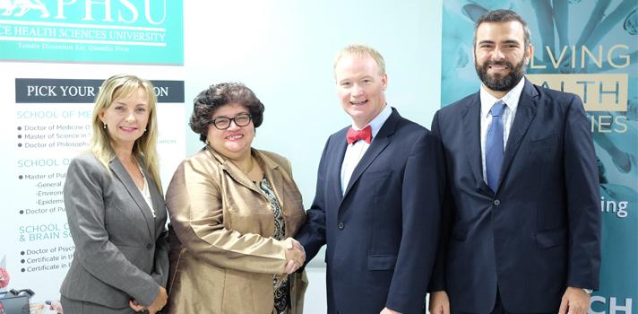 Lucy Crespo, CEO del Fideicomiso para Ciencia y Tecnologìa de P. R., Dr. DAVID Lenihan, Presidente y CEO de Ponce Health University, Dr. Kosmas Kretsos, Director Ejecutivo del P.R. Consortium for Clinical Investigations.