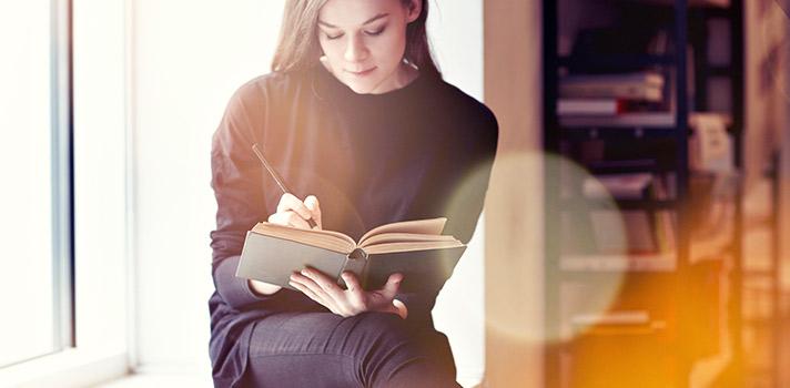 El aprendizaje de idiomas puede darse en la universidad, academias e incluso online