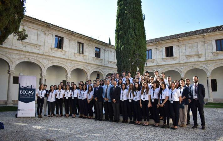 """Rafael Monjo, director del Programa, les ha invitado a """"vivir esta experiencia juntos, a construir juntos el fin de Becas Europa"""""""