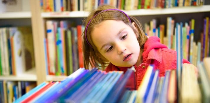 Cómo crear una biblioteca que fomente la lectura en los niños.