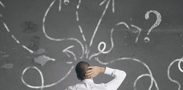 <p>No começo do ano, muitas pessoas costumam fazer um balanço das suas principais conquistas ao longo do ano. Pensando nas metas que foram cumpridas e naquelas que foram concluídas, <strong>chega a hora de fazer um planejamento para a nova época que segue</strong>. Nesse momento, é comum ter a vontade de <strong>colocar os planos em prática logo no primeiro mês</strong>. Contudo, essa pode não ser a forma mais eficiente para começar o ano com sucesso.<br/><br/></p><p><span style=color: #333333;><strong>Você pode ler também:</strong></span><br/><a style=color: #ff0000; text-decoration: none; text-weight: bold; title=Quer atingir o sucesso? Comece a planejar seu futuro agora href=https://noticias.universia.com.br/vida-universitaria/noticia/2015/03/04/1120928/quer-atingir-sucesso-comece-planejar-futuro-agora.html>» <strong>Quer atingir o sucesso? Comece a planejar seu futuro agora</strong></a><br/><a style=color: #ff0000; text-decoration: none; text-weight: bold; title=Todas as notícias de Carreira href=https://noticias.universia.com.br/carreira>» <strong>Todas as notícias de Carreira</strong></a></p><p><br/>Isso ocorre porque, após a conclusão de uma fase repleta de tarefas e depois de passar por um longo período de festas como Natal e Ano Novo, <strong>a sensação de cansaço em janeiro têm grandes chances de estar maior</strong>, tanto o esgotamento físico quanto o mental.</p><p><br/>Diante disso, <strong>a atitude mais recomendada é esperar passar esse período mais conturbado</strong>, começando a agir a partir do segundo mês do ano, quando a mente costuma estar mais tranquila e preparada para pensar nos objetivos com mais calma e racionalidade.Muitas pessoas podem se perguntar <strong>como usar o mês de janeiro de uma forma produtiva</strong>. Apesar de não ser o momento mais adequado para agir, não significa que esse período não possa servir para fazer um planejamento futuro.</p><p><strong><br/>Pensando nisso, a seguir listamos 4 formas de aproveitar esse primeiro 
