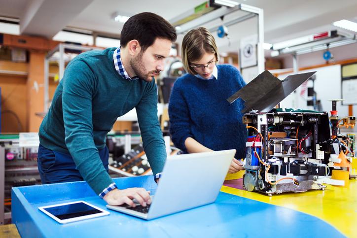 De acordo com a Catho, a média salarial de um engenheiro eletrônico no Brasil é de cerca de R$ 6 mil.
