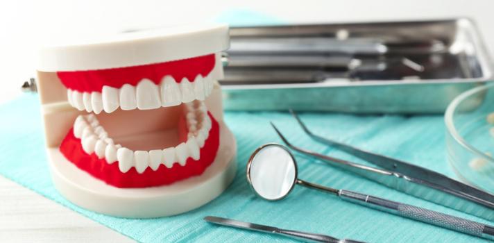 La implantología, la endodoncia y la reconstrucción bucal son algunas de las especialidades más populares dentro de la Odontología