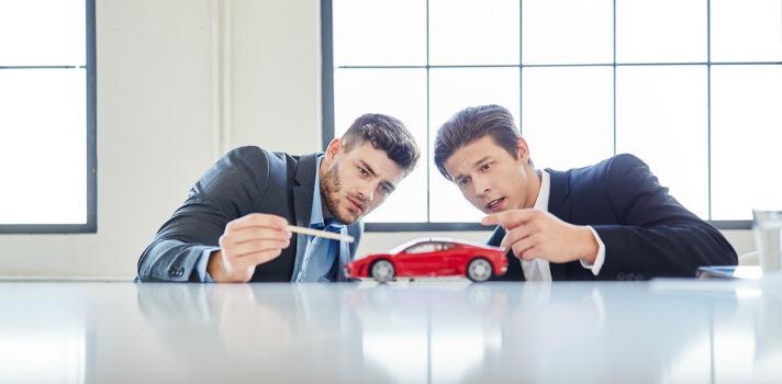 ¿Te apasionan los coches? Descubre estas 5 carreras que puedes estudiar