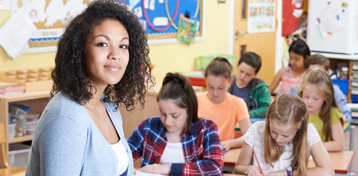 As vantagens e desvantagens do modelo de ensino sala de aula invertida