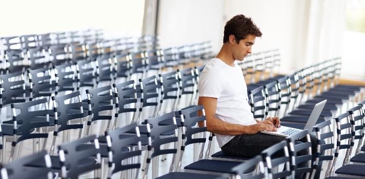La decisión de cambio de carrera suele ir asociada del miedo del estudiante por volver atrás y encontrarse con compañeros más jóvenes