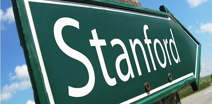 <p>A <a href=https://jsk.stanford.edu/about/ title=organização John S. Knight target=_blank>organização John S. Knight</a>oferece 20 bolsas para <a href=https://www.stanford.edu/ title=jornalistas estudarem em Stanford target=_blank>jornalistas estudarem em Stanford</a>durante 10 meses. O benefício pode chegar a <strong>US$ 65 mil</strong>, e garante acesso a toda a estrutura da universidade para responder a perguntas relacionadas a produção jornalística. <strong>Inscrições podem ser feitas online até 1º de dezembro</strong>.</p><p><span style=color: #333333;><strong>Leia também:</strong></span><br/><a href=https://noticias.universia.com.br/tag/notícias-sobre-bolsas-de-estudo/ title=Bolsas de estudo>» <strong>Todas as notícias sobre bolsas de estudo</strong></a><br/><a href=https://noticias.universia.com.br/estudar-exterior/noticia/2016/09/12/1143499/vantagens-estudar-estados-unidos.html title=As vantagens de estudar nos Estados Unidos>» <strong>As vantagens de estudar nos Estados Unidos</strong></a></p><p>Para se candidatar não é necessário ter um diploma universitário, mas o programa exige experiência de ao menos 5 anos na área. Isso significa estar empregado em um veículo jornalístico, estar envolvido com empreendedorismo jornalístico ou administração de trabalhos jornalísticos. Mais detalhes sobre os critérios de participação podem ser encontrados <a href=https://jsk.stanford.edu/become-a-fellow/who-can-be-a-fellow/ title=aqui target=_blank>aqui</a>.</p><p>A inscrição no programa pode ser feita através do <a href=https://jsk.fluidreview.com/ title=site da organização John S. Knight target=_blank>site da organização John S. Knight</a>. Primeiro deve-se fazer o registro no site. Depois, o programa pede o envio de informações como: a sua experiência profissional, alguns exemplos do seu trabalho, uma autobiografia jornalística, cartas de recomendação e qual seria o seu foco durante o programa.</p>