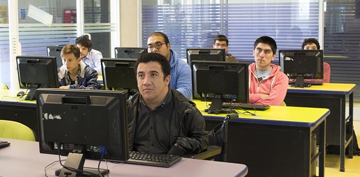 """Estudiante Ingeniería (E) Informática : """"Ahora los jóvenes con discapacidad podemos seguir cumpliendo nuestros sueños"""