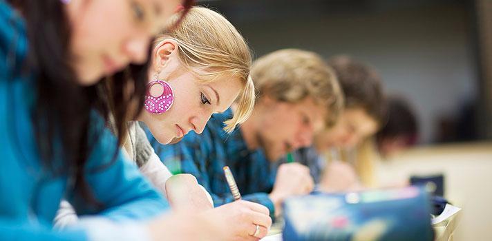 Despesas dos universitário baixam segundo Estudo do Instituto da Educação da ULisboa