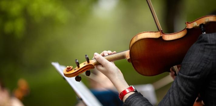 La importancia de aprender a tocar un instrumento musical