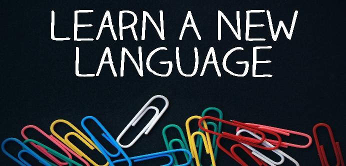 Estudiar idiomas en el extranjero.