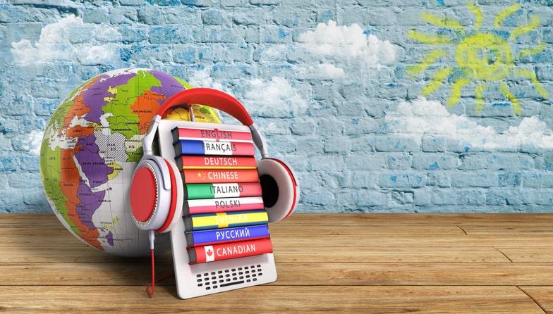 Praticar a escuta é vital na hora de aprender uma nova língua – e ainda mais essencial se você quer aprender duas ao mesmo tempo!
