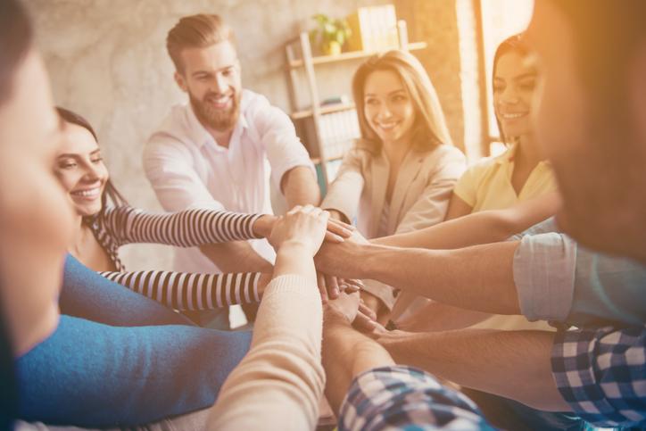 A formação de uma associação de estudantes é a melhor forma de encontrar representatividade para um grupo de alunos que deseja lutar por melhorias e garantir seus direitos.