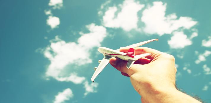 Los pilotos vuelan a cientos de destinos diferentes.