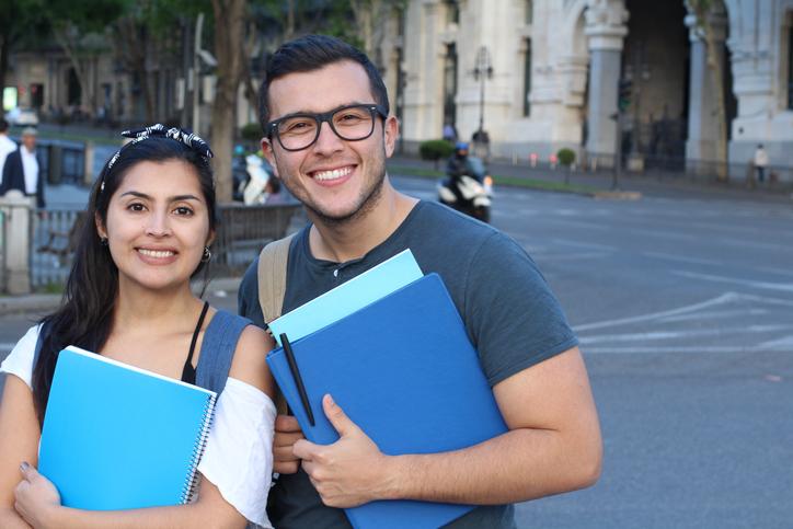 Becas universitarias Uruguay: conoce tus posibilidades