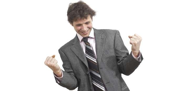 <p>Antes de entrar a la universidad deberás elegir <strong>cuál es la profesión que quieres</strong> para tu vida. Esta decisión no es fácil de tomar, por lo cual será necesario que te informes sobre las <strong>posibilidades a futuro</strong>, la rentabilidad y empleabilidad de cada una de las profesiones que despierten tu interés. Si quieres tener más posibilidades de acierto en tu elección, descubre los interesantes datos que brinda el <a href=https://imco.org.mx/home/ title=Instituto Mexicano para la Competitividad (IMCO) target=_blank rel=me nofollow> Instituto Mexicano para la Competitividad (IMCO)</a> sobre las carreras profesionales en México.<br/><br/></p><div class=help-message><h4>¿Aún no sabes qué estudiar? Ingresa al Portal de Estudios de Universia para acceder a las mejores carreras y cursos</h4><a href=https://www.universia.net.mx/estudios class=enlaces_med_leads_formacion button01 target=_blank id=ESTUDIOS>Más info</a></div><p><br/>El IMCO es un <strong>centro de investigación</strong> en base a datos empíricos que tiene como objetivo ser una entidad referente en materia de <strong>políticas públicas</strong> a través de la elaboración de documentos y materiales que ayuden a mejorar, atraer y retener el <strong>talento y las inversiones</strong> en México. Dicha organización ha creado una interesante plataforma denominada <a href=https://imco.org.mx/comparacarreras/ target=_blank rel=me nofollow> Compara Carreras</a> para que los jóvenes puedan extraer información de gran utilidad a la hora de <strong>elegir una carrera profesional</strong>.<br/><br/></p><p>Esta plataforma se ha realizado en base a investigaciones del <strong>mercado laboral</strong>, instituciones académicas y el <strong>seguimiento de egresados</strong> de diversas carreras y en ella se puede encontrar información sobre la rentabilidad de diferentes áreas del estudio, la empleabilidad de las profesiones y los <strong>salarios aproximados</strong> que perciben los mexicanos <strong>