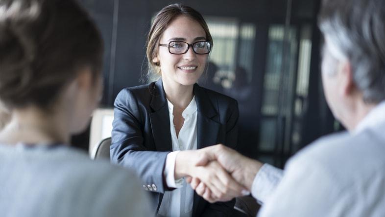 Carrera de Derecho: cómo hacer tu perfil más atractivo al graduarte