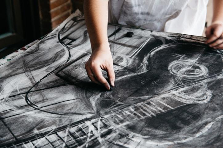 Carreras relacionadas con el arte: opciones y futuro en Chile