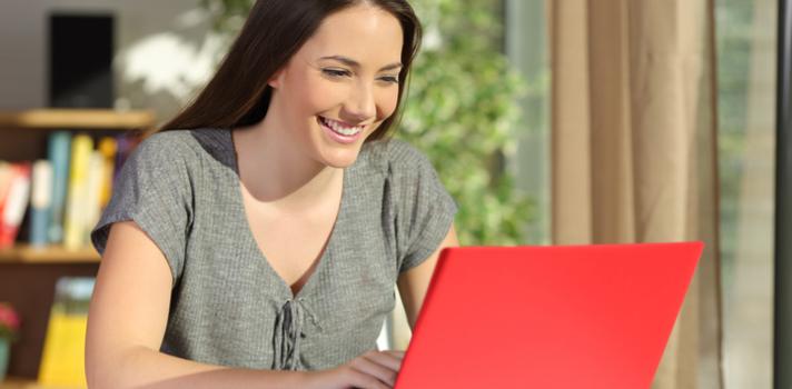 Internet y las apps te facilitan el acceso a procesos de solicitud de becas y a estar al día de las convocatorias