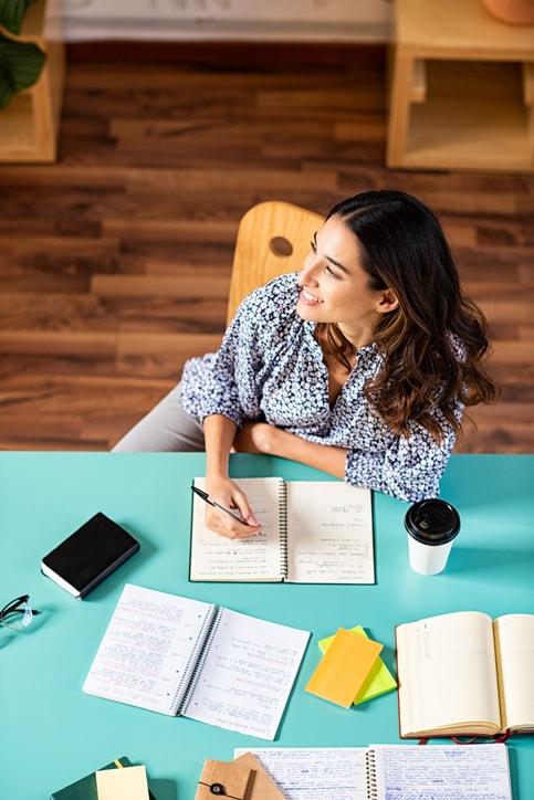 Cómo organizarse para estudiar: calendario, horario y eficiencia