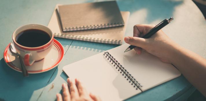 Las personas que optan por llevar un diario consiguen tener sus pensamientos más estructurados y mejorar su dicción
