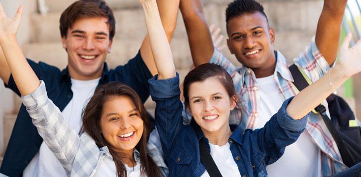 <p>Sonha em estudar na <strong>Universidade de Brasília (UnB)</strong> e <strong><a title=Enem no Divã: cursinho ou intercâmbio após o ensino médio? href=https://noticias.universia.com.br/destaque/noticia/2015/09/17/1131353/enem-diva-cursinho-intercambio-apos-ensino-medio.html>vai prestar vestibular em 2016</a></strong>? O cursinho Galt, localizado na capital do País, está com inscrições abertas para seu curso preparatório gratuito, que é focado nas provas da UnB. Para tentar uma vaga, os alunos devem fazer um <strong><a title=Inscrição Galt Vestibulares href=https://galtvestibulares.com.br/seja-aluno/pagar-taxa-de-inscricao/ target=_blank>cadastro online pelo site oficial da instituição</a></strong>até o dia 3 de fevereiro.</p><p></p><blockquote style=text-align: center;><strong>Guia de Profissões</strong>: confira cursos universitários <span style=text-decoration: underline;><a id=ESTUDIOS class=enlaces_med_leads_formacion title=Guia de Profissões: confira cursos universitários no Brasil href=https://www.universia.com.br/estudos target=_blank>aqui</a></span></blockquote><p><span style=color: #333333;><strong>Você pode ler também:</strong></span><br/><br/><a style=color: #ff0000; text-decoration: none; text-weight: bold; title=Aluno conta como tirou nota máxima no Enem 2015 href=https://noticias.universia.com.br/destaque/noticia/2016/01/13/1135410/aluno-conta-tirou-nota-maxima-enem-2015.html>» <strong>Aluno conta como tirou nota máxima no Enem 2015</strong></a><br/><a style=color: #ff0000; text-decoration: none; text-weight: bold; title=Inscrições para o Prouni 2016 já estão abertas href=https://noticias.universia.com.br/destaque/noticia/2016/01/19/1135556/inscrices-prouni-2016-abertas.html>» <strong>Inscrições para o Prouni 2016 já estão abertas</strong></a><br/><a style=color: #ff0000; text-decoration: none; text-weight: bold; title=Todas as notícias de Educação href=https://noticias.universia.com.br/educacao>» <strong>Todas as notícias de Educação</strong></a></