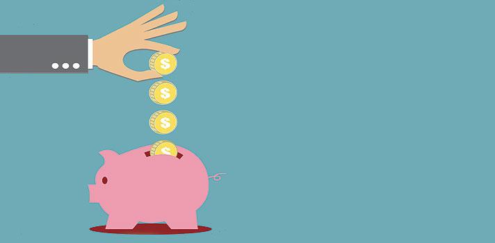 """<p>O I<strong>nstituto Educacional BM&FBovespa</strong> e o <strong>Senac São Paulo</strong> estão oferecendo, neste mês de março, cursos sobre <strong><a title=Aprenda a controlar melhor o seu dinheiro durante a faculdade href=https://noticias.universia.com.br/destaque/noticia/2015/09/10/1131068/aprenda-controlar-melhor-dinheiro-durante-faculdade.html>investimentos e finanças pessoais totalmente gratuitos</a></strong>. As aulas serão no formato presencial e acontecerão em 15 unidades do Senac espalhadas pela capital e interior paulista.</p><p></p><blockquote style=text-align: center;><strong>Indicamos</strong>: cursos online com certificação <span style=text-decoration: underline;><a id=SHOPPING class=enlaces_med_ecommerce title=Indicamos: cursos online com certificação href=https://shopping.universia.com.br/ target=_blank>aqui</a></span></blockquote><p><span style=color: #333333;><strong>Você pode ler também:</strong></span><br/><br/><a style=color: #ff0000; text-decoration: none; text-weight: bold; title=UFMG oferece curso gratuito para educadores href=https://noticias.universia.com.br/educacao/noticia/2016/03/09/1137220/ufmg-oferece-curso-gratuito-educadores.html>» <strong>UFMG oferece curso gratuito para educadores</strong></a><br/><a style=color: #ff0000; text-decoration: none; text-weight: bold; title=4 cursos online grátis para ser um profissional melhor href=https://noticias.universia.com.br/destaque/noticia/2016/02/26/1136764/4-cursos-online-gratis-profissional-melhor.html>» <strong>4 cursos online grátis para ser um profissional melhor</strong></a><br/><a style=color: #ff0000; text-decoration: none; text-weight: bold; title=Todas as notícias de Educação href=https://noticias.universia.com.br/educacao>» <strong>Todas as notícias de Educação</strong></a></p><p></p><p>Entre os temas abordados durante o curso <strong>""""Finanças Pessoais – Módulo Master""""</strong> estão juros, inflação, planejamento financeiro, orçamento familiar, risco, noções sobre o Sistema F"""
