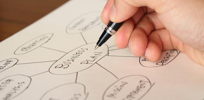 """<p>¿Querés aprender a organizar tus ideas de manera eficaz? Entonces, este <strong>curso online gratuito</strong>es ideal para vos. <strong>Aprenderás a utilizar la herramienta </strong><a href=https://bubbl.us/ title=Bubbl.us target=_blank rel=menofollow>Bubbl.us</a>que te permitirá <strong>crear mapas mentales</strong> y tener acceso a ellos a través de cualquier dispositivo. ¡Ya no tenés más excusas para estar desorganizado!</p><div class=lead><h3>Técnicas y hábitos de estudio que te lleven al éxito académico (EBOOK)</h3><img src=https://imagenes.universia.net/gc/net/images/educacion/e/eb/ebo/ebook-gratis-tecnicas-estudio-universidad.jpg alt=title= class=alignleft/><p>Una guía para todo estudiante universitario que buscan tener un paso exitoso por la universidad.</p><p>Contiene recursos, consejos e ideas para que el alumno pueda rendir al máximo y obtener los mejores resultados académicos.</p><div class=clearfix></div><p><a href=/downloadFile/1148595 class=enlaces_med_registro_universia button button01 title=Ebook sobre técnicas y hábitos de estudio para la universidad target=_blank onclick=ga('ulocal.send', 'event', 'DescargaFicherosBajoLogin', '/net/privateFiles/2017/0/18/ebook-tecnicas-habitos-estudio-universidad-.pdf' ,'Paso1AntesDeLogin'); id=DESCARGA_EBOOK rel=nofollow>Ebook sobre técnicas y hábitos de estudio para la universidad</a></p></div><p>El curso online gratuito <a href=https://alison.com/courses/Mind-Mapping-Tool-Organizing-Your-Ideas-Using-Bubblus title=Mind Mapping Tool - Bubbl.us Course target=_blank>""""Mind Mapping Tool""""</a>, impartido a través de la plataforma educativa Alison, tiene una duración de entre una y dos horas y se compone por dos módulos: el <span>inicio del entrenamiento herramienta de mapas mentales</span> y la <span>evaluación</span>.</p><p>Este Mooc se dirige a todos aquellos <strong>estudiantes que desean aprender a utilizar una herramienta para realizar mapas mentales como Bubbl.us</strong>, la cual te permitirá <strong>creary """