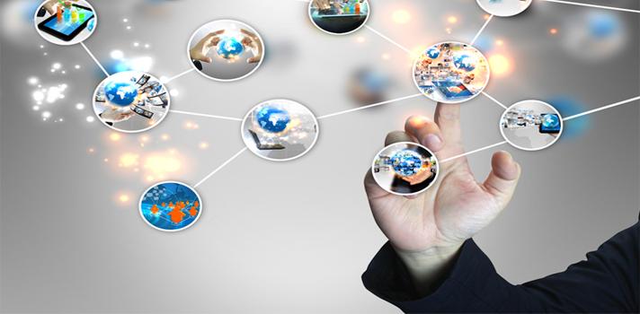 El <strong>Marketing en las redes sociales</strong> es la forma de comunicar y de hacer publicidad en la actualidad. Las empresas o emprendedores que no tienen presencia en la web están perdiendo miles de oportunidades de hacer nuevos clientes. <strong>Las herramientas de análisis son el instrumento de trabajo de los community managers</strong>. Conoce algunas imprescindibles si te dedicas o quieres dedicarte a gestionar comunidades en internet. <br/><strong><br/><br/>8 herramientas gratuitas para el community manager</strong><br/><br/><br/>1 - <a href=https://tagboard.com/ target=_blank rel=me nofollow>Tagboard<br/></a><br/>Con esta herramienta podrás ver el alcance de un hashtag en las principales redes sociales. Por ejemplo, pones #educación y te mostrará los últimos tópicos sobre el tema. <br/><br/><br/>2 - <a href=https://klout.com/home target=_blank rel=me nofollow>Klout<br/></a><br/>Si bien esta web es paga, cuenta con una versión gratuita que aunque es limitada puedes aprovecharla para conocer algunos datos sobre tu cuenta de Facebook o Twitter, como la influencia e interacción de la misma. <br/><br/><br/>3 - <a href=https://www.tweriod.com/ target=_blank rel=me nofollow>Tweriod<br/></a><br/>Con esta herramienta podrás conocer cuál es el mejor momento del día para tuitear y llegarle a más personas. <br/><br/><br/>4 - <a href=https://hootsuite.com/es target=_blank rel=me nofollow>Hootsuite<br/></a><br/>Saca el mayor partido a las redes sociales con Hootsuite, un administrador que sirve para agendar y publicar contenidos y conocer que piensa el público sobre tu marca, entre otras funciones para analizar tus actividades en la web.<br/><br/><br/>5 -<a href=https://www.google.com/analytics/ target=_blank rel=me nofollow>Google Analytics<br/></a><br/>Permite seguir el tráfico de una web, analizando de dónde provienen las visitas a la página, cuáles son los contenidos más populares, cuánto tiempo permanecen los usuarios y muchos datos más para que puedas hacer un a