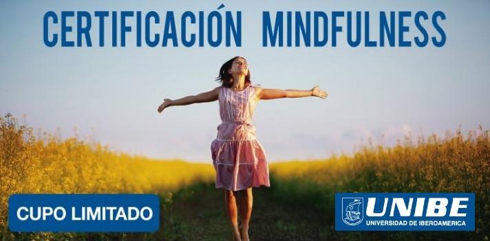 <p>La <strong>Universidad de Iberoamérica (Unibe)</strong> invita a estudiantes avanzados y profesionales en ciencias de la salud, ciencias sociales y educación, a participar de su <strong>Certificación en Mindfulness</strong>; la que estará dividida en 3 módulos: el 1 y 3 de carácter virtual y el 2 de modo presencial.</p><p></p><p><span style=color: #ff0000;><strong>Lee también</strong></span><br/><a style=color: #666565; text-decoration: none; title=Visita nuestro Portal de BECAS y descubre las convocatorias vigentes href=https://becas.universia.cr/>» <strong>Visita nuestro Portal de BECAS y descubre las convocatorias vigentes</strong></a></p><p></p><p>El Mindfulness es una técnica de meditación conocida también como <strong>Atención Plena</strong>, y busca centrar a la persona en el aquí y ahora; logrando <strong>reducir el estrés y aumentar el rendimiento de quienes lo practican con regularidad</strong>. Esta técnica de meditación ha recibido el aval de la comunidad científica y es cada vez más practicada y ofrecida a los estudiantes por prestigiosas universidades a nivel mundial.</p><p></p><p>La Unibe presenta esta certificación que comenzará el <strong>23 de noviembre de 2015</strong>, la cual estará impartida por el Director del Instituto Mexicano Mindfulness, Dr. Eric López. Si quieres conocer más detalles sobre como participar, puedes dirigirte a la línea telefónica de Educación Contínua: 2297 2242 extensión 2143.</p><p></p><p>Diversas investigaciones han demostrado que practicar con constancia el Mindfulness <strong>resulta efectivo para tratar distintos trastornos como el dolor, estrés, ansiedad o adicciones entre otros</strong>. Pero además resulta también muy efectivo para quien no sufre ninguno de estos síntomas pero quiera <strong>fortalecer su sistema inmunológico y desarrollar un pensamiento positivo</strong> basado en el aquí y ahora a través de técnicas de respiración.</p>