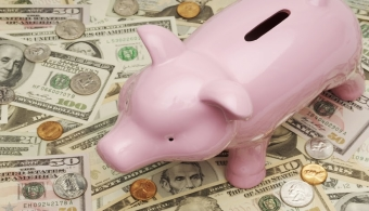 ¿Cuánto tiempo de trabajo le lleva a un profesional recuperar el dinero invertido en su educación?